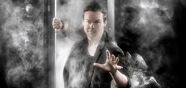 ILLUSIONIST WINFRIED BETOVERT GOES DEZE ZOMER.
