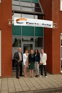 Het team van Facts on Acts