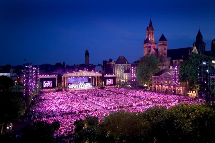 Concert Andre Rieu extra feestelijk tintje in kader van Veteranendag 2013