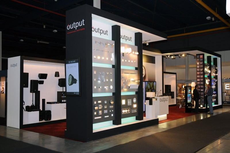 In de spotlight: Output Professional Audio,Video & Lighting